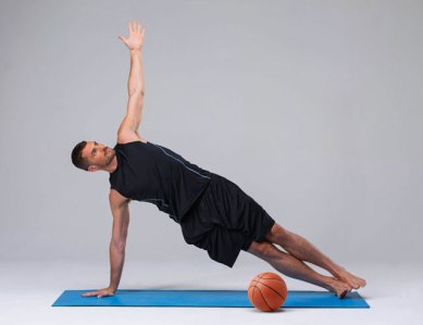 Kevin-Love-yoga